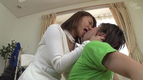 岡沢リナ (37)
