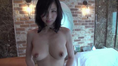 小崎里美-AVデビュー-人妻-05