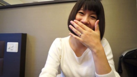 副職がAV女優の素人人妻エロ画像 (10)