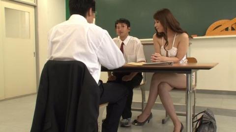 ボディコンで教師を誘惑する変態妻-03