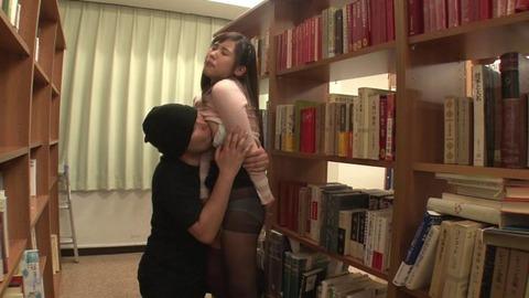 図書館で媚薬オナニー&SEX (41)