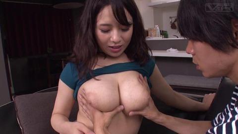 童貞息子の将来を気にした巨乳の母 (39)