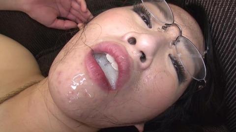 乳首だけでイってしまう三十路妻 (48)