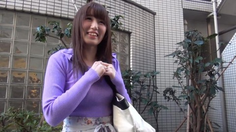 可愛い巨乳女子大生_001