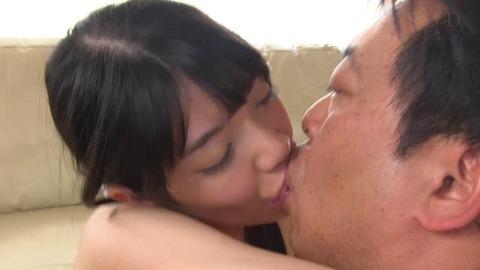 瀧本梨絵 (45)