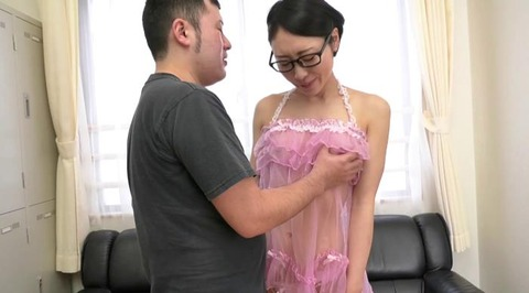 お色気ランジェリーで男を悩殺する美熟女 (44)