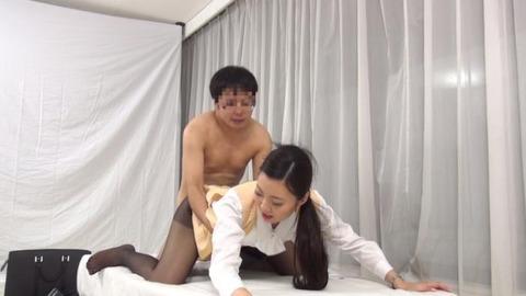 憧れていた取引先の美人社員と赤面sex-035