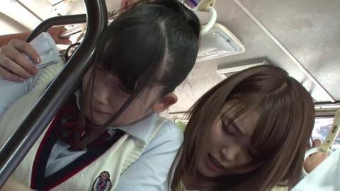 中出し痴漢 (11)
