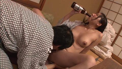 浴衣姿の女上司 (40)