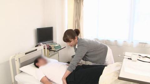 精液採取する淫乱ナース_003
