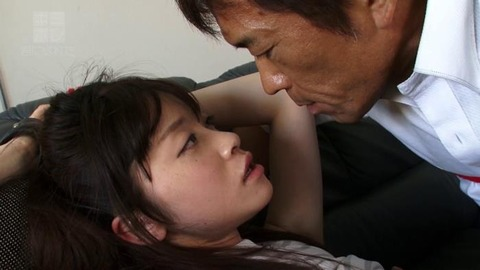 桐山結羽 (32)