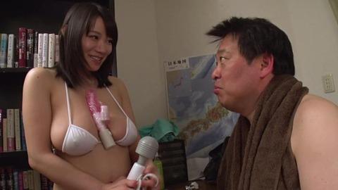爆乳AV女優、澁谷果歩 (47)