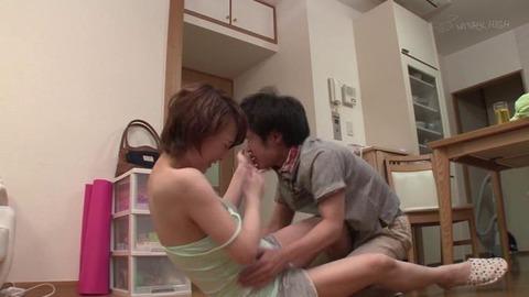 ど痴女で淫乱な叔母と近親相姦 (2)