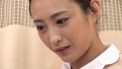元ピンサロ嬢だった美人ナース (34)