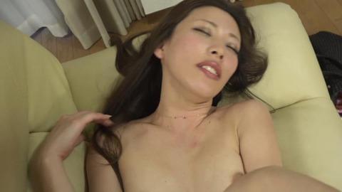 極太チンポに憧れる綺麗な微乳妻-49
