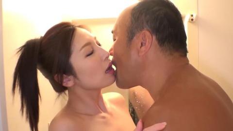 佐々木あき (42)