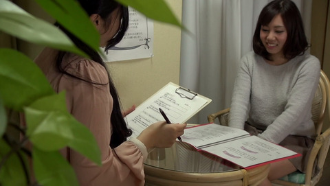 拘束されながら変態絶頂を求める女たち-033