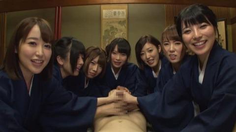 美人女将が至れり尽せりの性接待-018