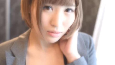27歳大人の魅力溢れるショートカット美人 (1)