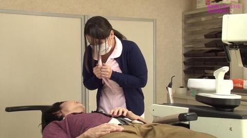 歯科助手をしている兄貴の嫁さん (6)