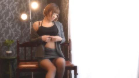27歳大人の魅力溢れるショートカット美人 (2)