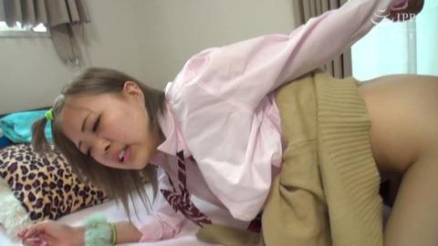 風俗街で神待ちしていた家出少女みゆきちゃん (16)