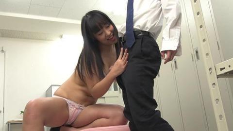 エッチなOLと更衣室でセックス (38)