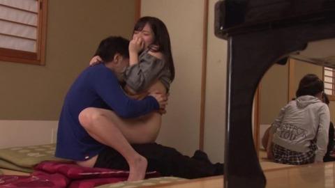 同窓会で再会したムチムチ人妻画像 (16)