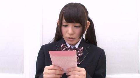 篠宮ゆりと小西まりえのレズ画像02枚目