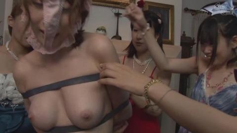 希咲あやのセレブ公開調教エロ画像10枚目