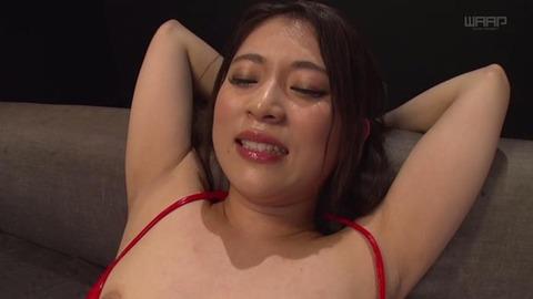 小林メイ (28)