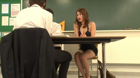 ボディコンで教師を誘惑する変態妻-38