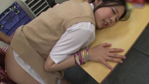万引き女子高生 (6)