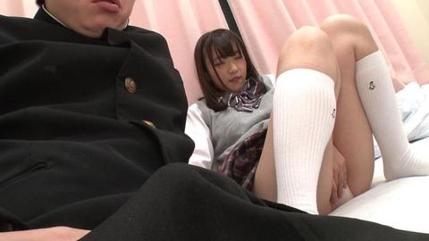 パンツ丸出しで熟睡してる女子生徒 (11)