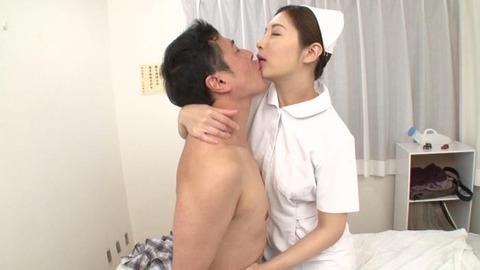 佐々木あき (30)