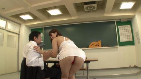 ボディコンで教師を誘惑する変態妻-04