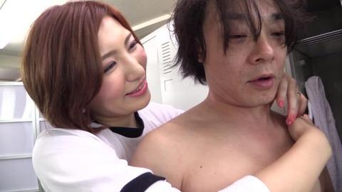 ど痴女、夏希みなみ (40)