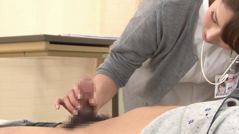 精液採取する淫乱ナース_011