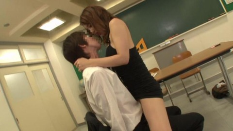 ボディコンで教師を誘惑する変態妻-45