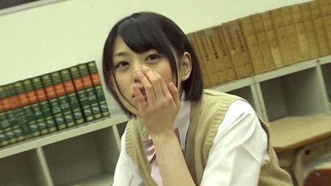 女子校生 美少女 まゆ (1)