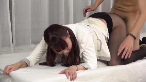 憧れていた取引先の美人社員と赤面sex-013