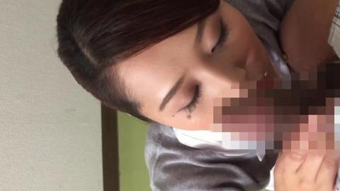 元ピンサロ嬢だった美人ナース (22)