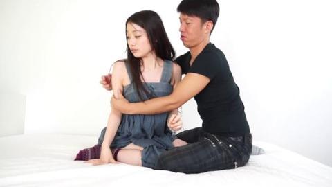 黒髪美乳AV女優 (1)