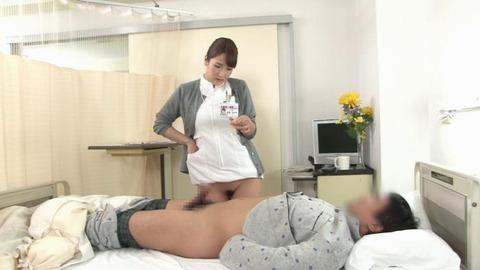 精液採取する淫乱ナース_012