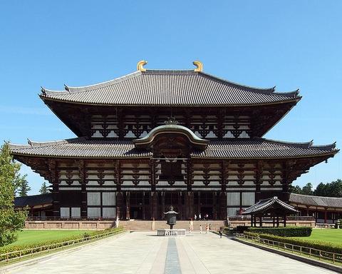 800px-Tōdai-ji_Kon-dō