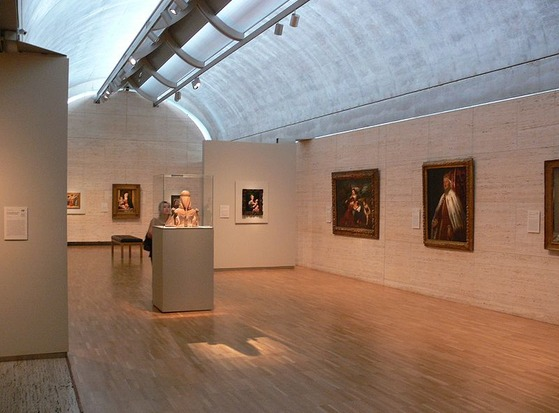 800px-Kimbell_Art_Museum_Fort_Worth_galleries_1