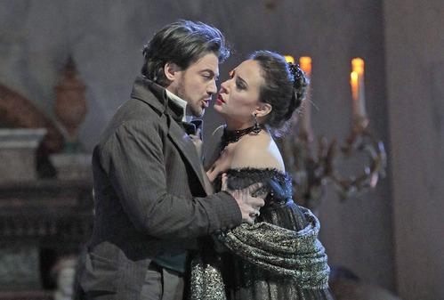 ★トスカ5 トリミングcKen Howard/Metropolitan Opera
