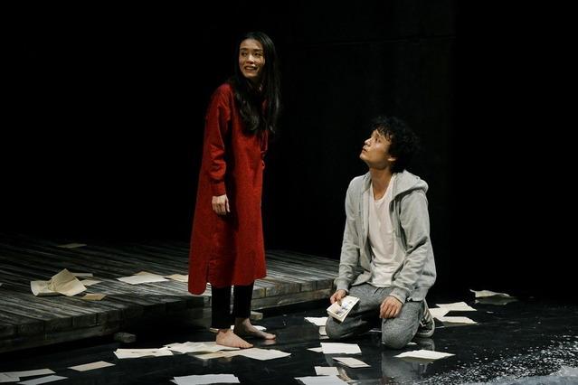 15 世田谷パブリックシアター『岸 リトラル』撮影:細野晋司_AIG1669