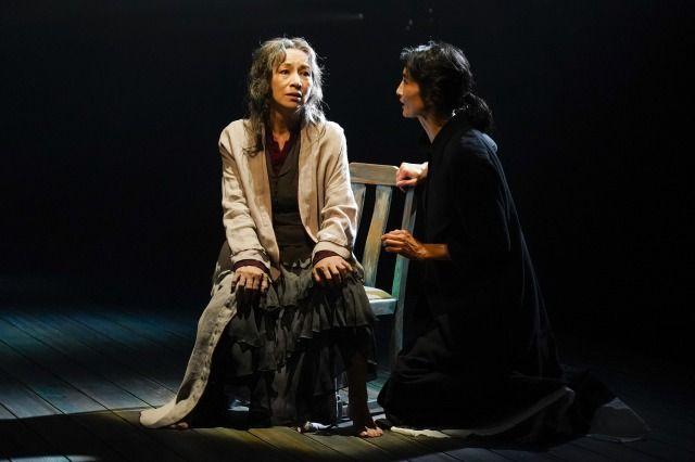 1.(左から)原田美枝子、小島聖