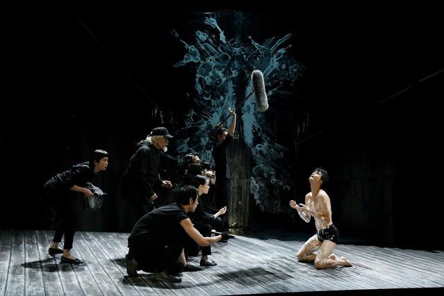 11 世田谷パブリックシアター『岸 リトラル』撮影:細野晋司_AIG1042